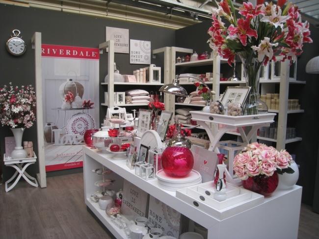 Tischdekoration produktpalette tuincentrum dani ls - Decoratie badkamer fotos ...